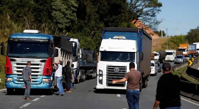 protesto-caminhoneiros-1500-22052018064643185