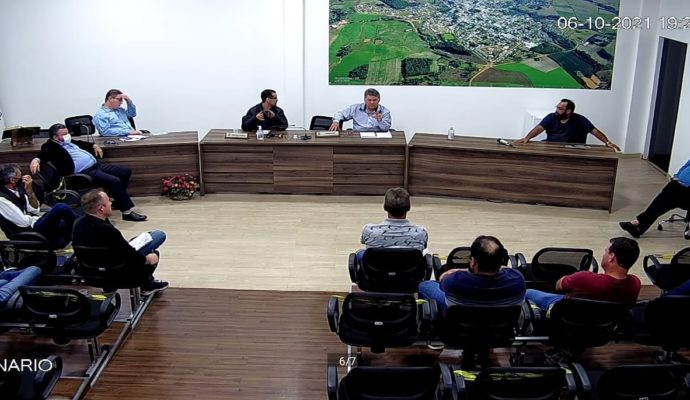Após reivindicação, Poder Público se reúne com moradores da Linha Belli
