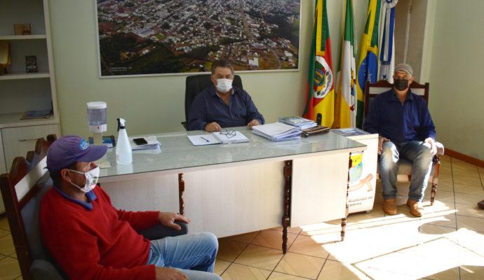 Poder Executivo recebe representantes do sindicato dos servidores públicos